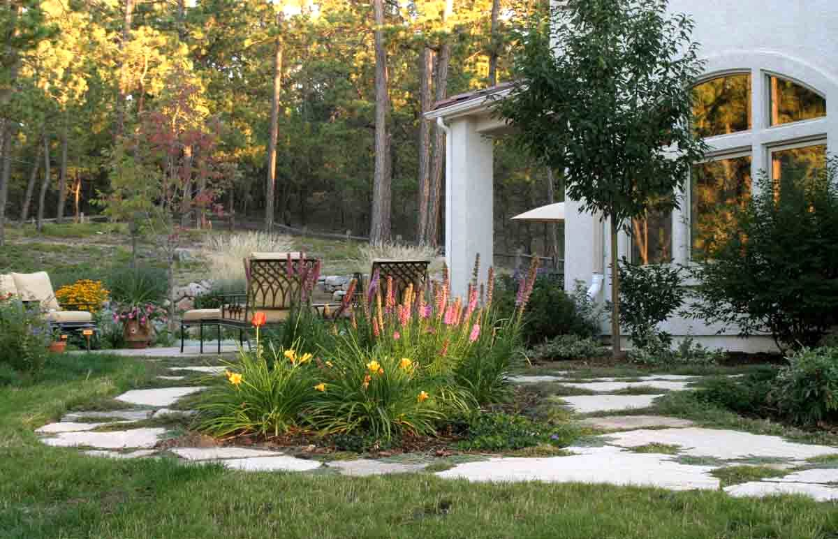 small-yard-landscaping-ideas-colorado-colorado-landscape-designer-helping-you-turn-colorado-outdoor Home Improvements that Make a Difference to the Value of Your Home