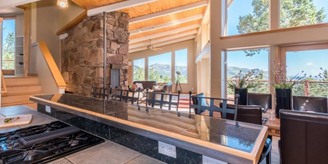 49-Cliffhanger1-640x321 Listing of the Week