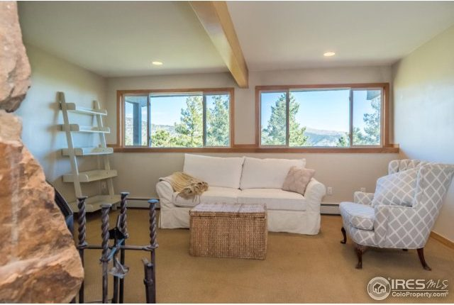 49-Cliffhanger13-640x430 Close In Mountain Home with Views