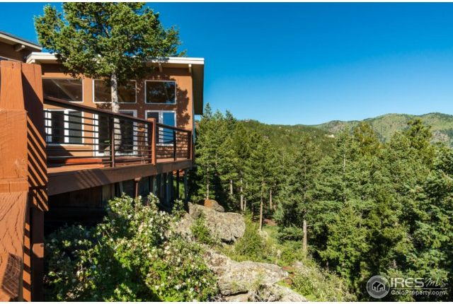 49-cliffhanger17-640x430 Close In Mountain Home with Views