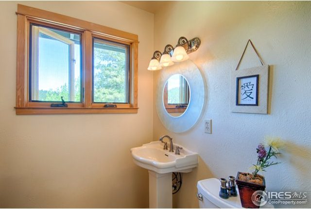 elkridge13-640x430 Boulder Heights Home with Views
